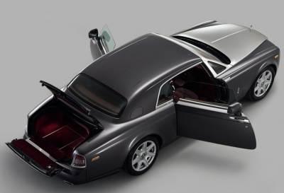 The 2009 Rolls-Royce Phantom Coupe top view