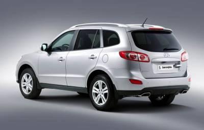 Photo: 2010 Hyundai Santa Fe rear view