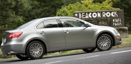 Photo: Suzuki Kizashi. Can it take on Accord and Camry?