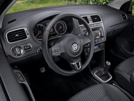 Volkswagen Polo interior photo