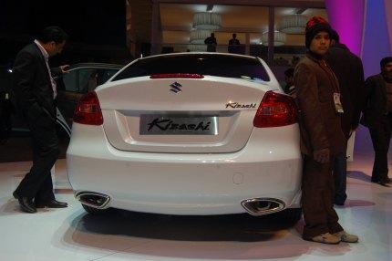 Suzuki Kizashi rear