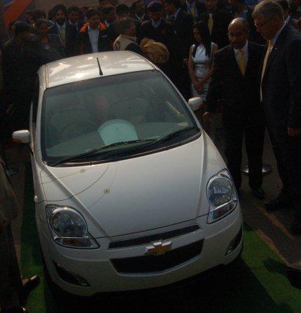 chevrolet e-spark electric car photo