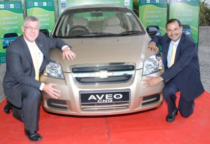 chevrolet aveo cng launch photo