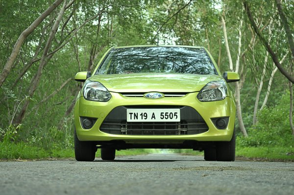 ford figo green photo