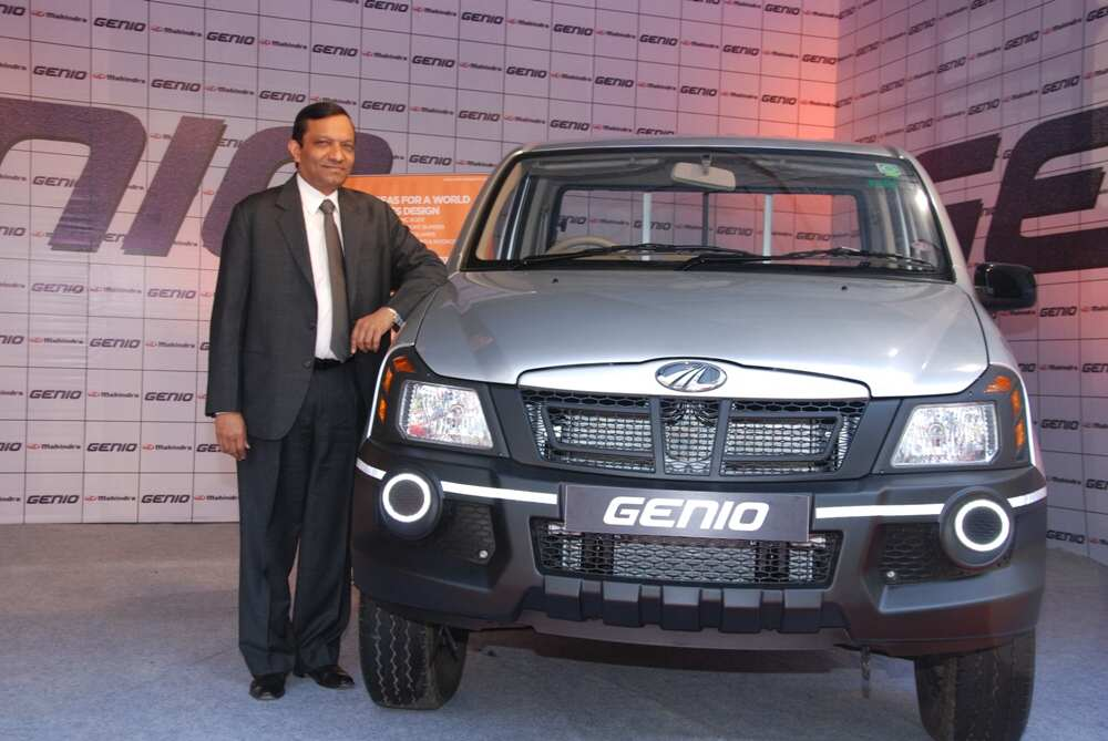 mahindra genio photo