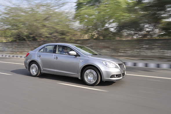 suzuki kizashi road test photo