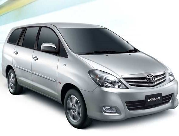 toyota innova photo