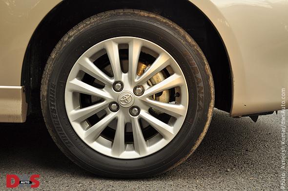 Pic of 12-spoke alloy wheel on Toyota Etios