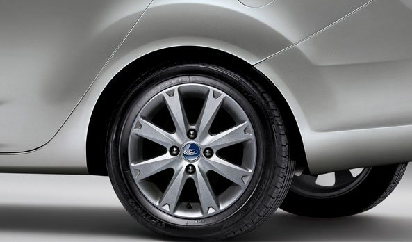2011 ford fiesta wheel and tyre pic