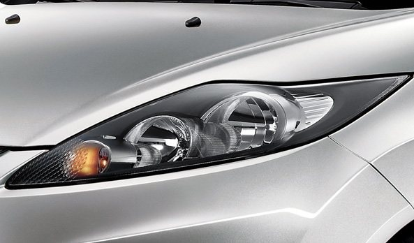 2011 ford fiesta headlamp photo