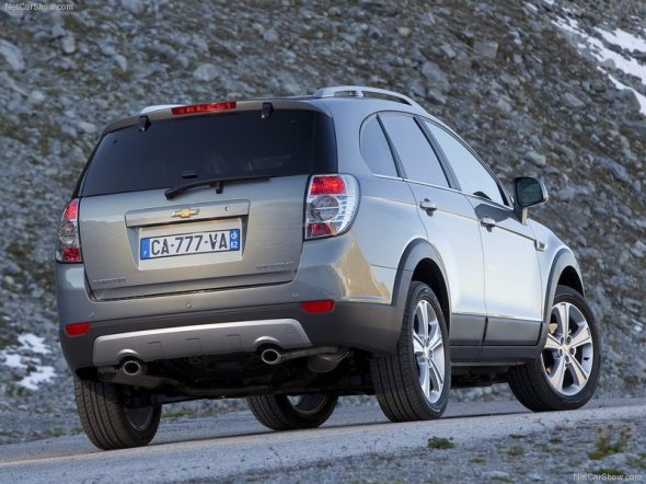 chevrolet captiva rear photo