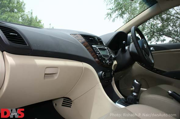 hyundai verna interiors photo