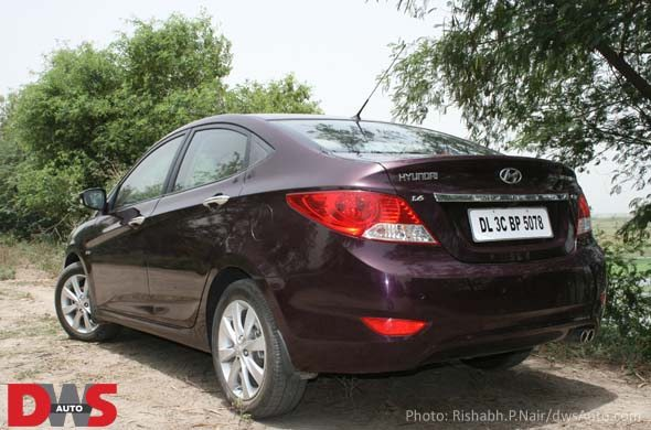 hyundai verna rear photo