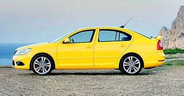 skoda laura rs sideview photo