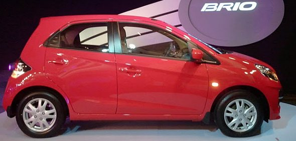 honda brio side photo
