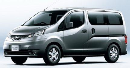 Battle of the premium cabs (Nissan NV200 vs Innova vs Xylo)