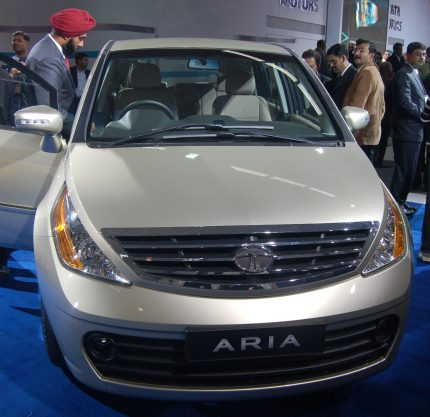 Tata Aria launched at Auto Expo, price a mystery