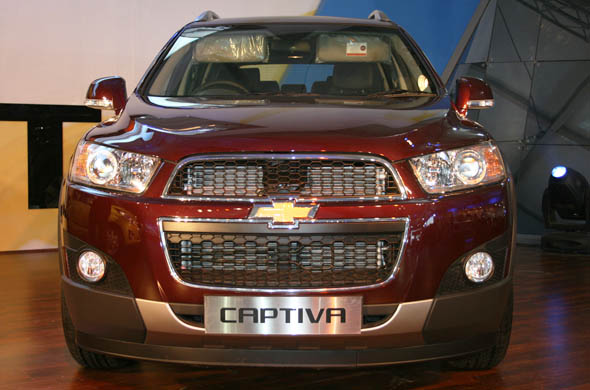 new 2012 chevrolet captiva launch price and specifications. Black Bedroom Furniture Sets. Home Design Ideas