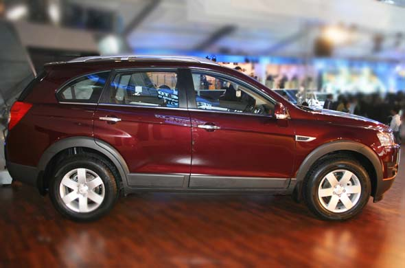 chevrolet captiva side profile