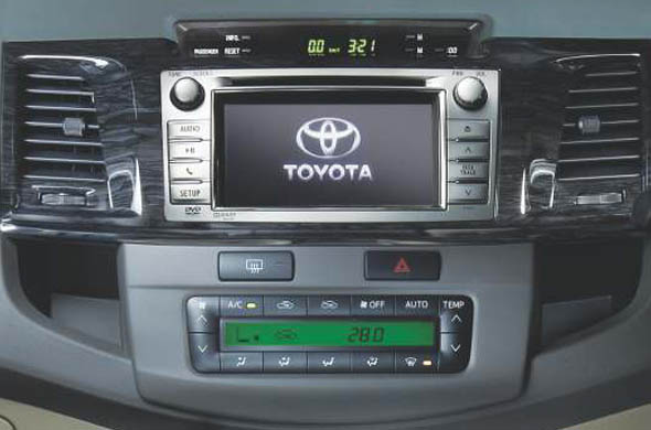 fortuner touch screen audio system photo