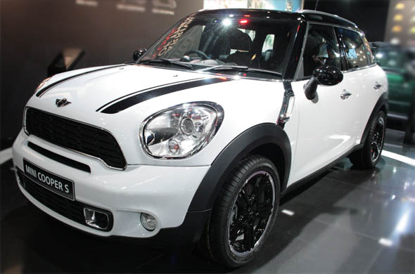 mini cooper s countryman side