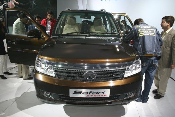 tata safari storme photo gallery