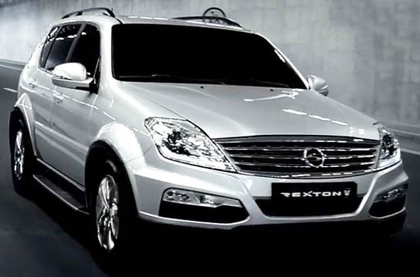 mahindra-rexton-front-right
