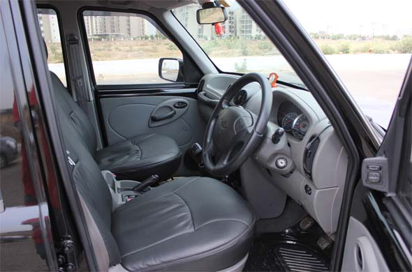 mahindra scorpio lx 4x4 road test and review. Black Bedroom Furniture Sets. Home Design Ideas