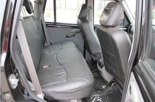mahindra scorpio rear seats