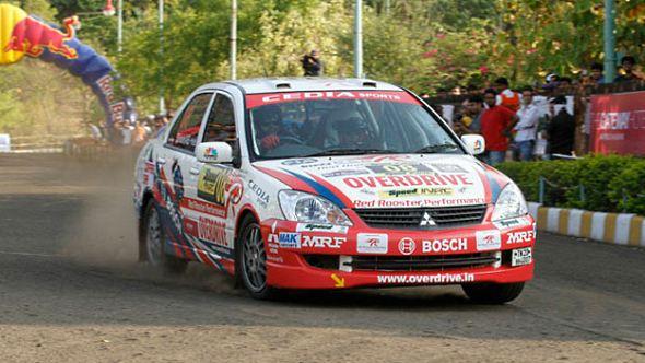 mitsubishi cedia rally car photo