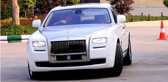 rolls royce ghost drive photo