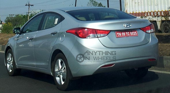 hyundai elantra spy photo india