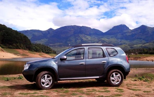 renault duster road test photo