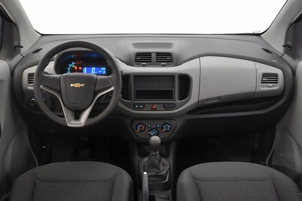 chevrolet-spin-interior-photo-1