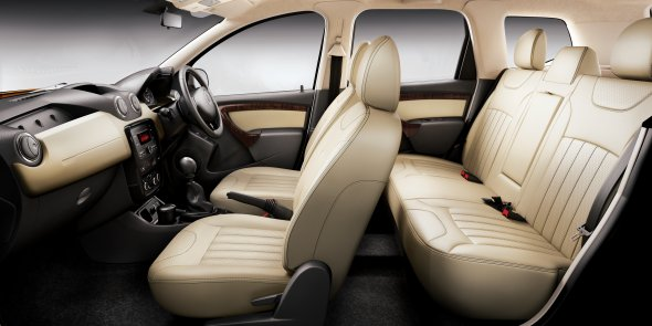 renault duster interior photo