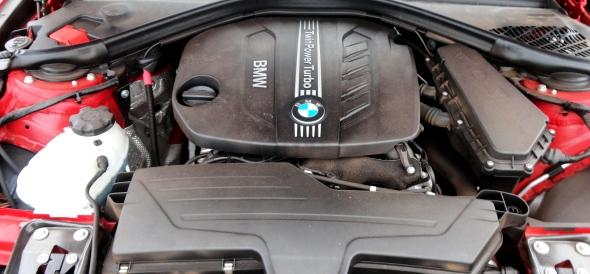 BMW-3Series-engine-photo