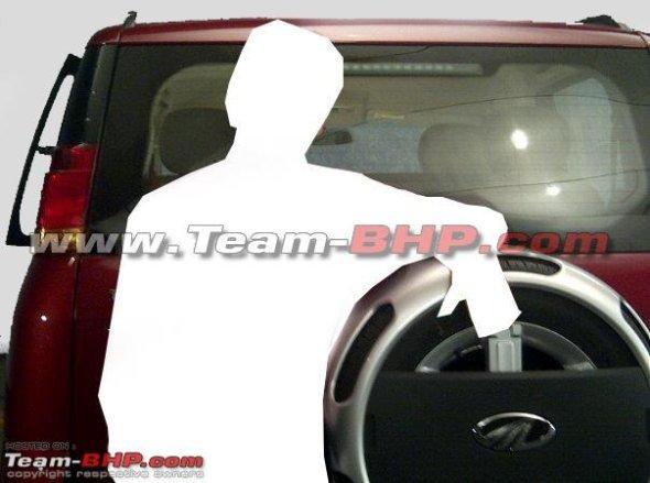 mahindra quanto rear photo