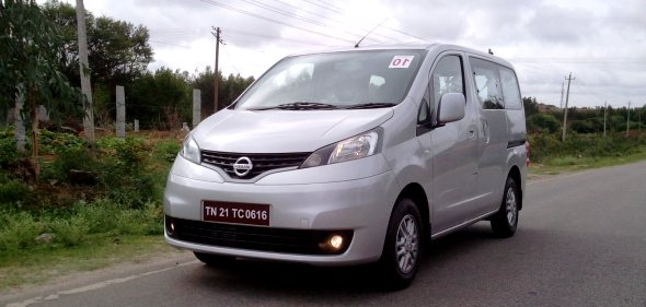 nissan evalia review photo