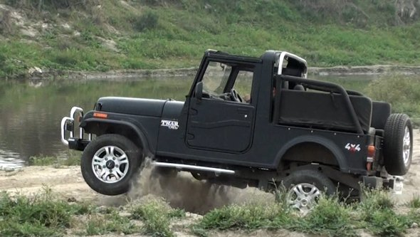 Essential gear for offroading: stuff to keep in your jeep