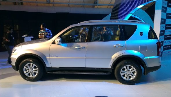 mahindra ssangyong rexton profile photo