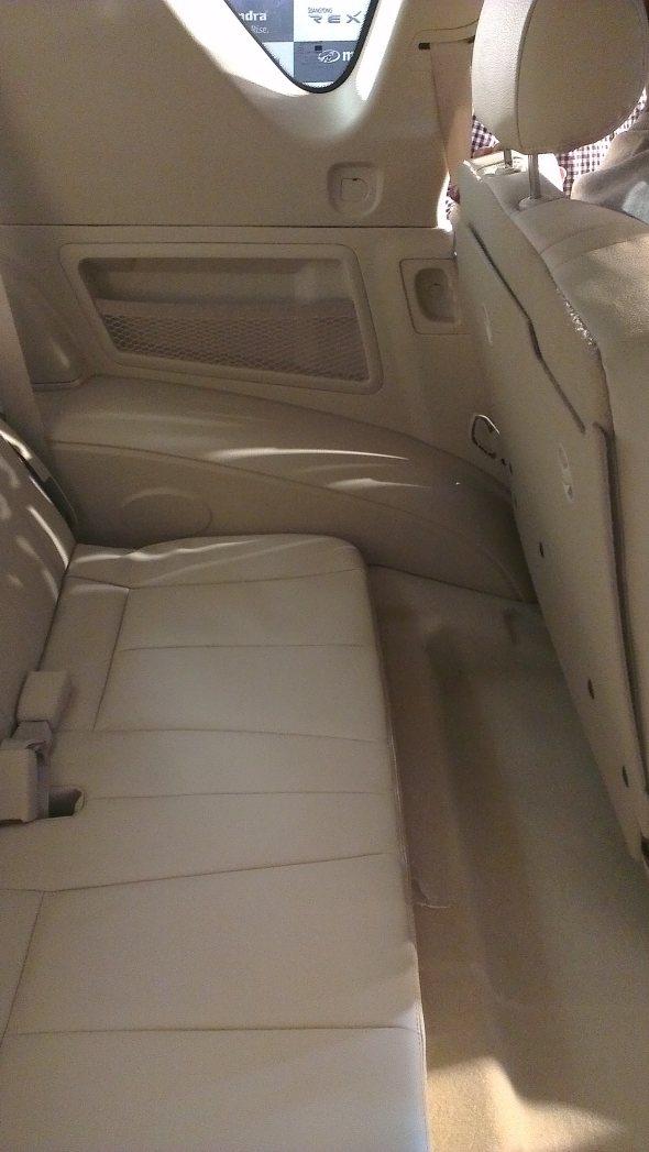 ssangyong rexton interior third row