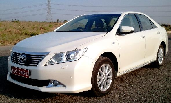 toyota-camry-road-test-photo