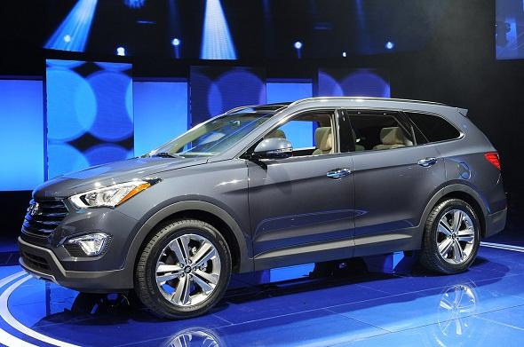 More photos of upcoming 2013 Hyundai Santa Fe