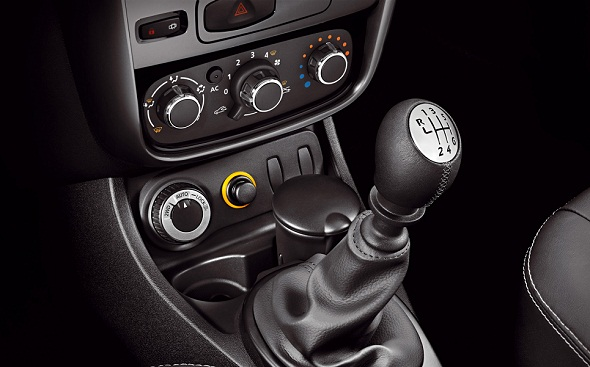 Renault Duster 4X4 Switch Pic