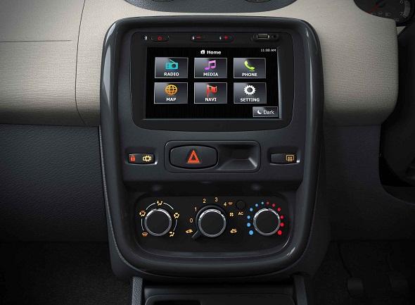 Renault-Duster-touchscreen-nav-system