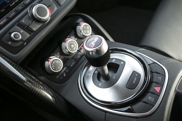 Audi R8 V10 plus_Gear Lever