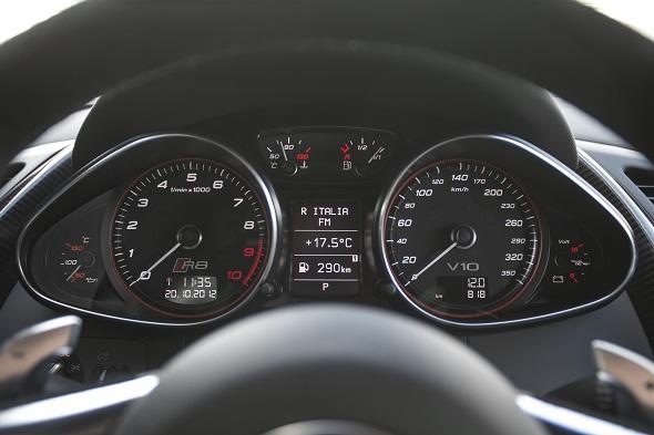Audi R8 V10 plus_Instrument Cluster