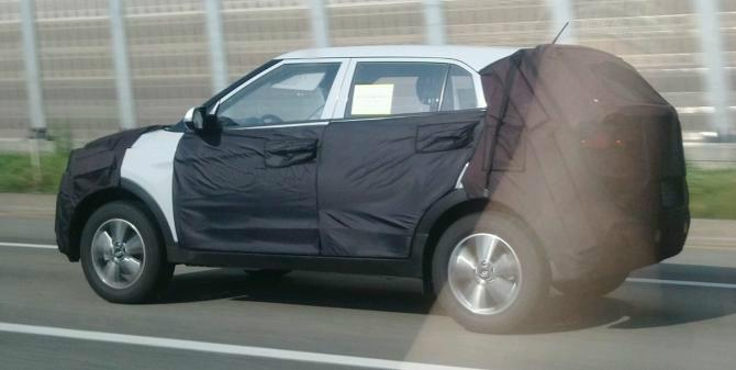 Spyshots of Hyundai compact SUV emerge