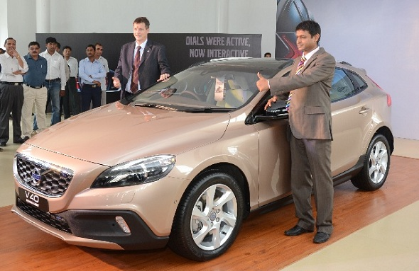 Volvo launches V40 Cross Country luxury crossover hatch at Rs. 28.5 lakh