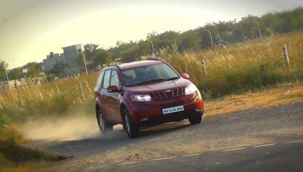 Diwali India S Festival Of Lights Amid Economic Gloom And: Mahindra XUV500 W4 Variant Launched At Rs. 10.83 Lakh